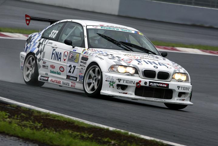 ST3クラスのポールポジションは、FINA ADVAN BMW M3(伊橋勲/廣田秀機/三澤伸輔組)
