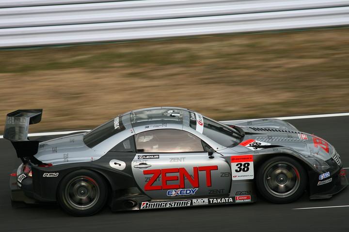 この日の3位は、ZENT SC430