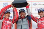 gt-r8-r-podium-team-500