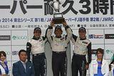 st_r02_r-podium_st1