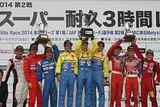 st_r02_r-podium_st5