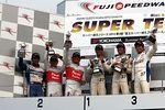 st_r03_r-podium_st1
