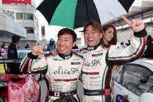 佐々木孝太(左)とNAORYU(右)