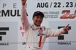 f3-rd14-r-podium-fukuzumi