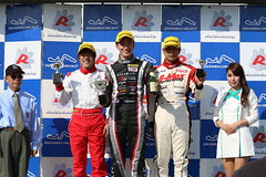 f4w-rd1-r-podium