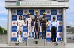 f4w-rd2-r-podium