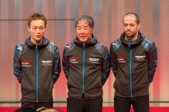 左から安田裕信、星野一義監督、ジョアオ・パオロ・デ・オリベイラ(カルソニックIMPUL GT-R)