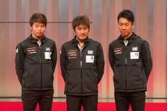 左から佐々木大樹、近藤真彦監督、柳田真孝(フォーラムエンジニアリングADVAN GT-R)