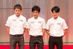左から本山哲、大駅俊臣監督、千代勝正(S Road CRAFTSPORTS GT-R)