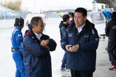 ホンダエンジン開発主任佐伯氏と元ホンダF1の新井氏