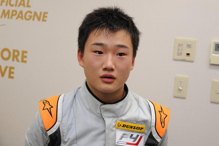 決勝2位の角田裕毅(SUTEKINA RACING TEAM)