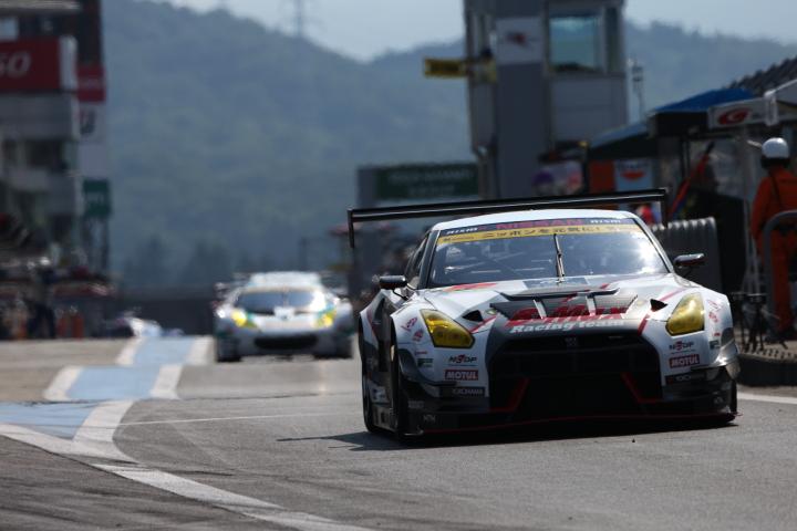 GT300クラスノックアウト予選Q1: ヤン・マーデンボロー(B-MAX NDDP GT-R)