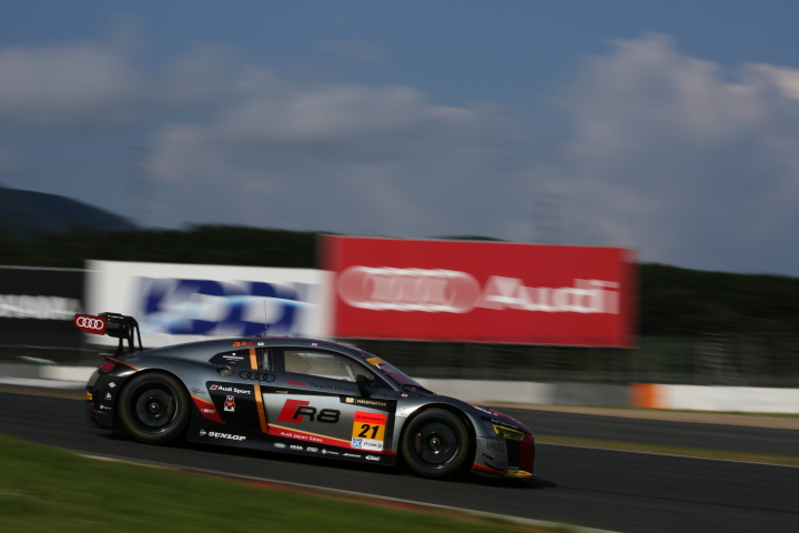 GT300クラスノックアウト予選Q2: リチャード・ライアン(Hitotsuyama Audi R8 LMS)