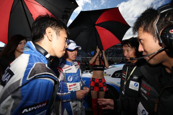 決勝レース: 柳田真孝と佐々木大樹(KONDO RACING)