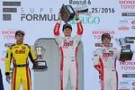 f3-rd17-r-podium