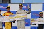 f4w-rd4-r-podium-1