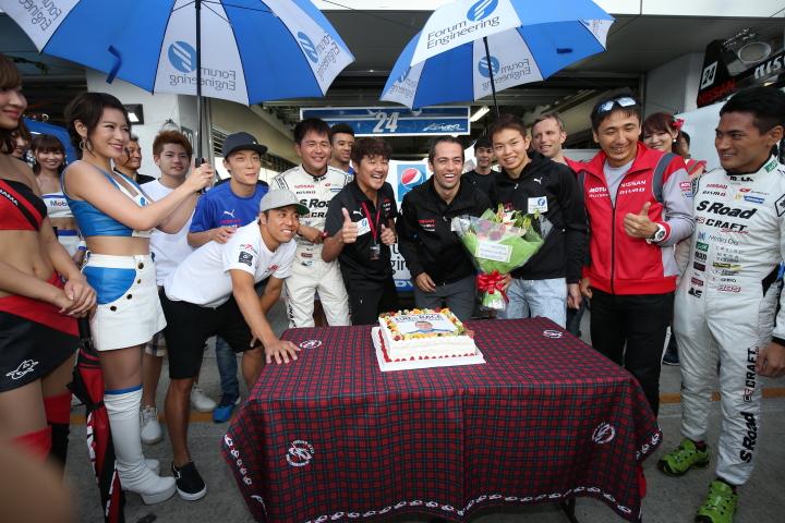 GTキッズウォーク: ジョアオ・パオロ・デ・オリベイラ、GT参戦100レース記念パーティー