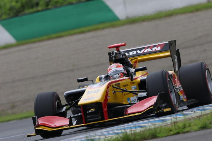 公式予選: 小暮卓史(B-Max Racing team SF14)