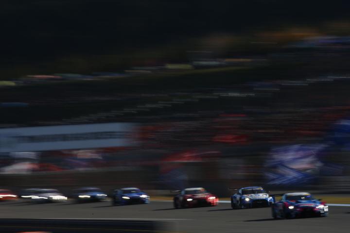 決勝レース: GT500勢の争い