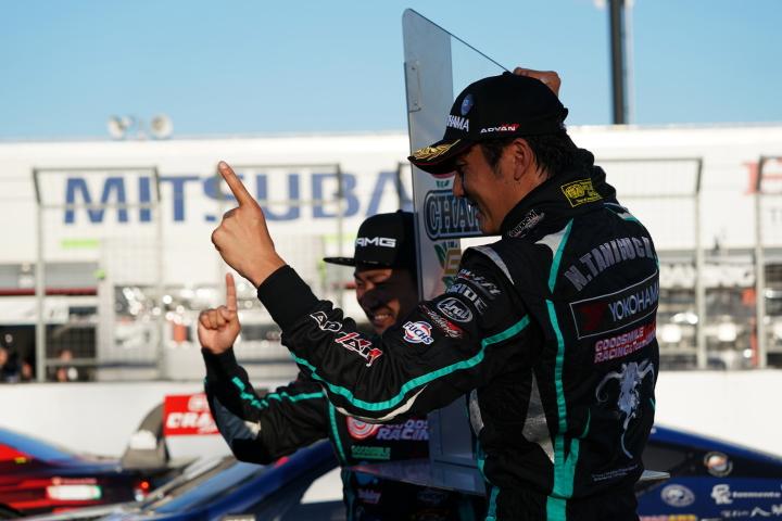 決勝レース: GT300クラスで3位に入りチャンピオンを獲得した片岡龍也と谷口信輝(GOODSMILE RACING & TeamUKYO)