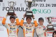 f3-rd6-r-podium