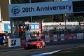決勝レース: GT500クラス、トップでゴールする松田次生(MOTUL AUTECH GT-R)