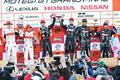 表彰式: GT300クラスの上位3チーム