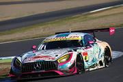 GT300クラスポールポジションの谷口信輝/片岡龍也組(グッドスマイル初音ミクAMG)