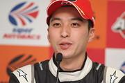 決勝記者会見: GT300クラスで優勝した蒲生尚弥(K2 R&D LEON RACING)