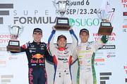 sf-rd6-r-podium