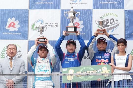 sfjm-rd4-r-podium