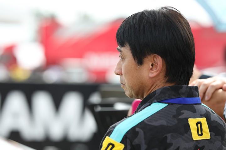 スタート進行: 片山右京監督(GOODSMILE RACING & TeamUKYO)