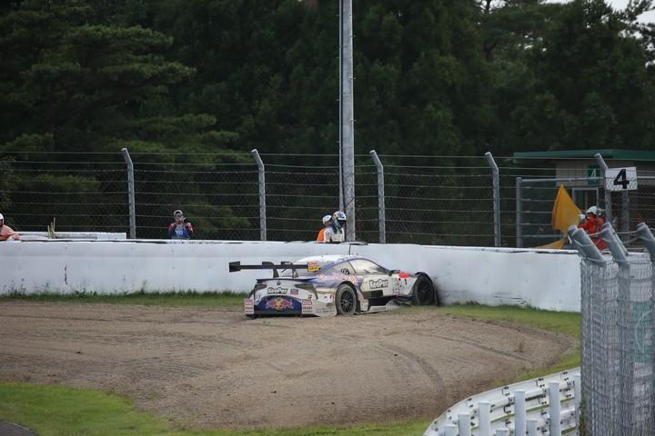 決勝レース: ストップしたKeePer TOM'S LC500