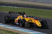 第10,11戦とも予選3位の金丸悠( B-MAX RACING F3)