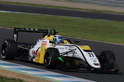 初参戦の藤波清斗(B-MAX Racing F3)は第10戦予選9位、第11戦予選7位