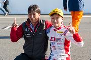 2018年度のドライバーズチャンピオンを決めた角田裕毅(Hondaフオ一ミュラ・ドリ一ム・プロジェクト)