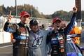 決勝レース: GT500クラスでチャンピオンを決めた山本尚貴、高橋国光監督、ジェンソン・バトン(TEAM KUNIMITSU)