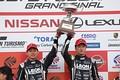 表彰式: GT300クラスでチャンピオンを決めた黒沢治樹と蒲生尚弥( K2 R&D LEON RACING)