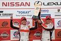 表彰式: GT500クラス優勝の野尻智紀と伊沢拓也(AUTOBACS RACING TEAM AGURI)