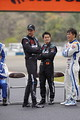 集合写真: ジェンソン・バトンと山本尚貴(TEAM KUNIMITSU)