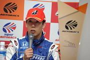 決勝記者会見: GT500クラス優勝の小暮卓史(KEIHIN REAL RACING)