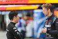 松浦孝亮(Epson Nakajima Racing)とジェンソン・バトン(TEAM KUNIMITSU)