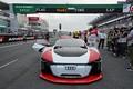 Audi e-tronデモラン: 写真撮影に応じるブノア・トレルイエ