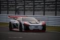 Audi e-tronデモラン: ストレートを疾走するマシン