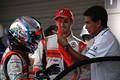 決勝レース: GT300クラスで優勝した高木真一、ショーン・ウォーキンショーと鈴木亜久里監督( AUTOBACS RACING TEAM AGURI)