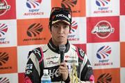 予選記者会見: GT300クラスポールポジションの松井孝允(つちやエンジニアリング)
