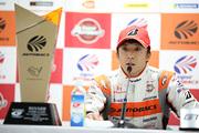 決勝記者会見: GT500クラスで優勝した伊沢拓也(AUTOBACS RACING TEAM AGURI)