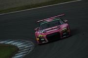 ST-Xクラスで2位に入ったリム・キョンウィー/Mathias Beche/メルビン・モー組(Phoenix Racing Asia R8)