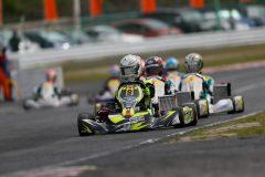 OKクラス参戦2年目の山田杯利選手(Team EMATY)がレースを引っ張る