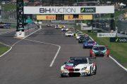 マーチン・トムチュク/ニコラス・イェロリー/アウグスト・ファルフス組(BMW Team Schnitzer)が序盤をリード